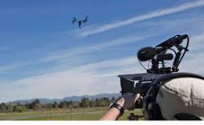 DroneX Pro świetnie wypełnia te zadania, gdyż porusza się ponad 20 metrów na sekundę i